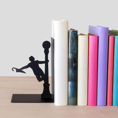 Balvi Sujeta libros Singing In The Rain Color negro Decorativo Metal