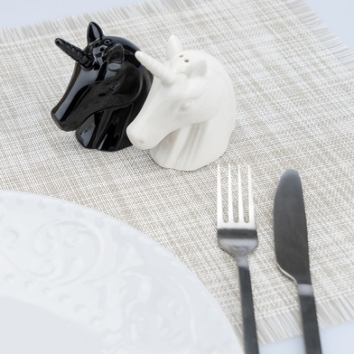 Balvi Salt & pepper set Unicorn Shaped like an unicorn head Porcelain