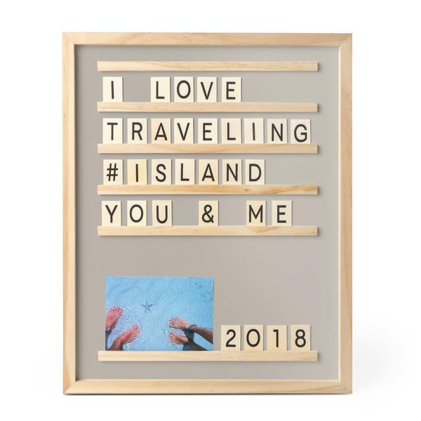 Balvi Tablero letras y fotos Memories Color gris 46x37 cm Con 79 piezas Madera 46x37cm