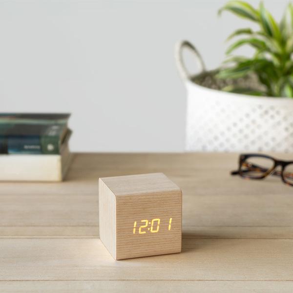 Balvi - Wood Kubo despertador digital de madera