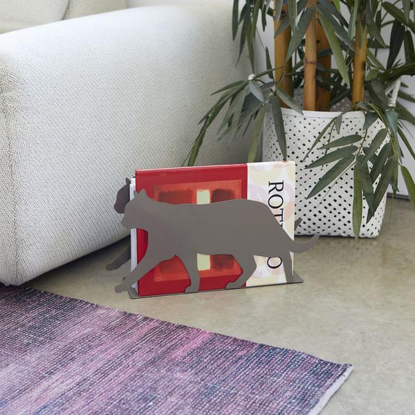 Balvi Revistero Feline Color gris Práctico y decorativo en forma de gato Hierro 21,5 cm