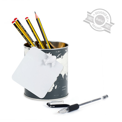 alvi Porta matite Globe Colore grigio Mappa design del mondo, include un magnete a forma di aereo La